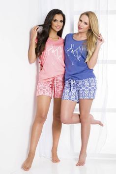 Piżama w dwóch kolorach - spodenki plus koszulka https://ekskluzywna.pl/bielizna-nocna-damska