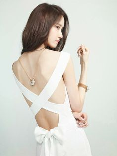 Girls' Generation Yoona shows some skin in April 2014 issue of Marie Claire Magazine for the new Amulette de Cartier jewellery collection. Sooyoung, Im Yoona, Korean Beauty, Asian Beauty, Asian Woman, Asian Girl, Cartier, Girl's Generation, Girl Dancing