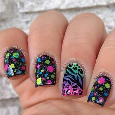 Colorful speckled glitter animal print summer nailart.