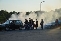 """Somebody waves at you, approaches, and says there is smoke coming out of your car. """"It looks ugly. I don't think it is safe to drive. Let me take a look at it, I think I know what's wrong"""". How does the scam work? Volkswagen Golf, Porsche 911, Automobile Magazine, Private Number Plates, Citroën C4, Megane Rs, Car Facts, Peugeot 208, Emergency Survival Kit"""