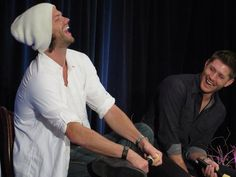 Jared and Jensen laughing!! One of the best pics from today!!! Love them!!! <3 <3 <3  #DallasCon2014