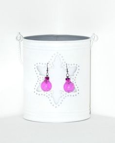 Globulete Cu Vedere La Urechi II  - Christmas is in the air with this pair of earrings. With gun metal accessories and magenta plastic, Christmas globes, as the main element. They're so jolly and nice! Click image to find more cool handmade jewelry by me! #globe #earrings #magenta #HolidaySeason #ChristmasIsComing