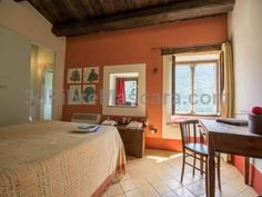 Casa Torre del Cornone Fontecchio Set in Fontecchio, Casa Torre del Cornone features a garden, barbecue, and terrace. Pescasseroli is 49 km from the property. Free WiFi is provided . The accommodation is fitted with a seating and dining area.