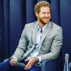 Heavy Is The Crown, mycrarrythings: Prince Harry kicked off Prince Harry Of Wales, Prince Henry, Prince Harry And Meghan, Prince And Princess, Royal Prince, Albert Windsor, Harry Windsor, Prince Harry Pictures, Prinz Harry
