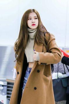 # Fantastik # amreading # books # wattpad # Outfits coreanos Kill With Love Bangtanpink # 2019 Wattys Blackpink Fashion, Korean Fashion, Fashion Outfits, Blackpink Jennie, Forever Young, K Pop, Girls Generation, Moda Kpop, Kpop Mode