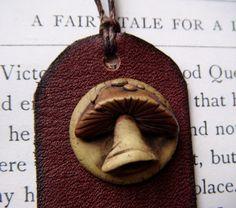 Mushroom  bookmark di feythcrafts su Etsy, $15,00