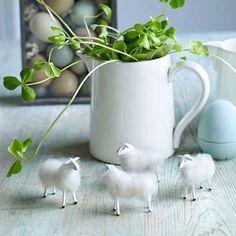 Des moutons en laine et allumettes