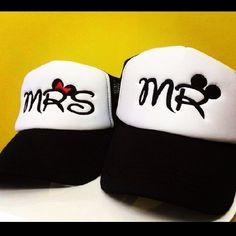 2c75a54b390fe Vendemos gorras bordadas publicitarias y personalizadas. Envío a todo  Colombia. Más info visita nuestra página o escríbenos por whatsapp al  3106138396.