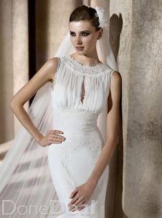 Pronovias 'Brisa' Wedding DressFor Sale in Dublin on DoneDeal - €900
