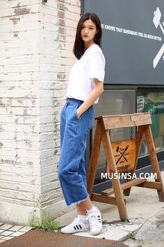 Korean Street Fashion- September 2016  Taken in streets of Seoul                                                                         ...