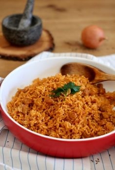 Rezepte Rice meat recipe Landscaping, An American Pass Time Article Body: Landscaping has been a fav Austrian Recipes, Fried Rice, Meat Recipes, Meals, Currys, Ethnic Recipes, Super, Food, Rice
