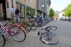 Veel fietsen op het plein!