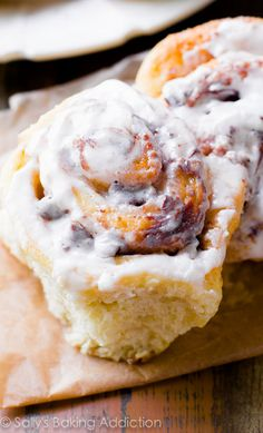 S'mores Cinnamon Rolls - soft, fluffy, and bursting with s'mores flavor in every bite. Trust me, you HAVE to try them! Click for the recipe.