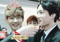 Aww Kris teasing Kai. His face at the end is so adorable like a puppy thinking: Whaa you didn't give me the cookie