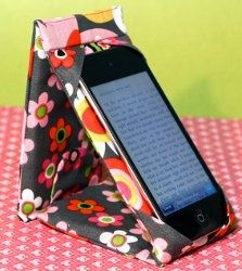 iPod or iPhone Case Stand. Typical iPad covers or iPad screen covers wont make the cut after you see this iPod or iPhone Case Stand. Prop up your iPod or iPhone on this D.I.Y gadget cover. Its padded for protection and even snaps like wallet!
