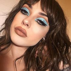 That blue cut crease so sharp 🔪 in 'Buffy' Velvetine and 'Malib. - That blue cut crease so sharp 🔪 in 'Buffy' Velvetine and 'Malibu' Superfoi - Glam Makeup, Makeup Inspo, Makeup Inspiration, Beauty Makeup, Hair Makeup, Maquillage Cut Crease, Cut Crease Eyeshadow, Cut Crease Makeup, Eyeshadow Palette