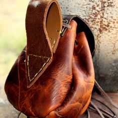 Sporran / Belt Pouch, great use of tanned leather, we love it, handmade leather