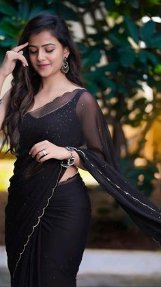 Beautiful Hijab, Beautiful Girl Indian, Most Beautiful Indian Actress, Desi Girl Image, Girly Images, Bollywood Saree, Pink Saree, Indian Celebrities, Half Saree