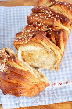Nyhtöpulla - Suklaapossu French Toast, Breakfast, Food, Healthy, Morning Coffee, Essen, Meals, Yemek, Eten