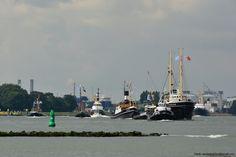 http://koopvaardij.blogspot.nl/2017/09/blog-post_38.html    1 september 2017 sleepboten in konvooi vertrek vanmorgen vanuit Maassluis naar Rotterdam met bestemming Wereldhavendagen