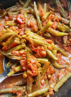 Vegan Slow Cooker Stewed Green Beans and Tomatoes – This recipe takes inspiration from the U.'s Southern-style green beans and tomatoes. While it's not meant to be an exact replica of the cherished dish, it is still very, very tasty! Vegan Slow Cooker Stew, Slow Cooker Recipes, Cooking Recipes, Oven Recipes, Easy Cooking, Cooking Tips, Easy Recipes, Frozen Green Beans, Green Beans And Tomatoes