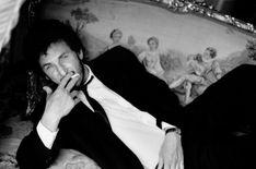 Sean Penn - Photographer Sante D'Orazio. Source: http://cameralabs.org/10364-sante-d-oratsio-odin-iz-samykh-avtoritetnykh-sovremennykh-masterov-fotografii