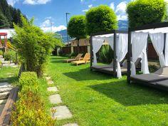 Hotelgarten im Sporthotel Alpenblick in Zell am See Sauna, Sidewalk, Walkway, Walkways