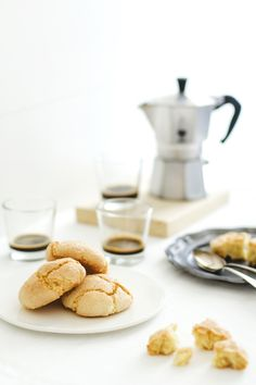 amaretti Sardi - Sardinian Amaretti cookies