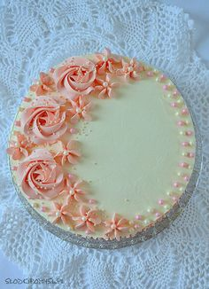 Cake Decorating Frosting, Cake Decorating Designs, Creative Cake Decorating, Birthday Cake Decorating, Cake Decorating For Beginners, Cake Decorating Videos, Cake Decorating Techniques, Buttercream Cake Designs, Cake Icing