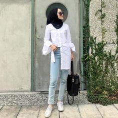 New style hijab casual kemeja Ideas Modern Hijab Fashion, Street Hijab Fashion, Muslim Fashion, Modest Fashion, Trendy Fashion, Trendy Style, Hijab Casual, Hijab Chic, Moda Hijab