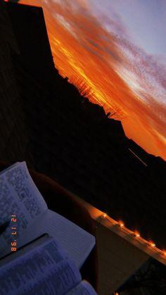 Sunset with jesus – – Sonnenuntergang mit Jesus – – Sunset Wallpaper, Tumblr Wallpaper, Wallpaper Backgrounds, Iphone Wallpaper, Pretty Sky, Beautiful Sunset, Aesthetic Backgrounds, Aesthetic Wallpapers, Ft Tumblr