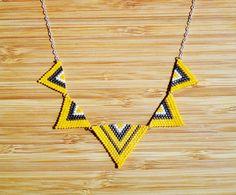 Collier plastron jaune canari en argent 925, triangles tissés main en perles Miyuki : Collier par ccedille-bijoux