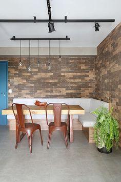 Meus queridos, eu estou adorando.A cada dia que passa, vejo que os designer de interiores brasileiros estão se especializando no estilo Ind...
