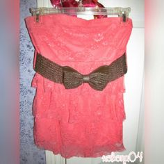 Rue 21 Coral Lace Strapless Top w/ Belt Size: S Few runs in fabric. Few snags as pictured. xx Rue 21 Tops Blouses