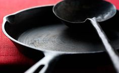 Stuff You Should NEVER Cook In A Cast-Iron Pan  http://www.prevention.com/food/what-not-cook-cast-iron?cid=soc_PreventionMag_TWITTER_Prevention__