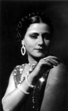 Sulochana (real name Ruby Myers, she was probably Bene Israeli) Indian silent film star1920's