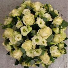 biedermeier wit rozen #bloembinderijbloem