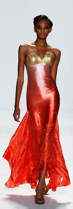 ❆Venexiana Spring 2010 ❆ http://www.fashionologie.com/New-York-Fashion-Week-Venexiana-Spring-2010-4896876