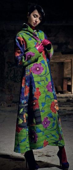 I assemble ideas, ispirations, colors and shapes and I offer my competence and ability in the world of fashion. Botanical Fashion, Floral Fashion, Colorful Fashion, Fashion Design, Couture Fashion, Runway Fashion, Fashion Outfits, 3d Fashion, Moda Floral