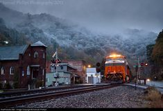 RailPictures.Net Photo: NS 8105 Norfolk Southern GE ES44AC at Keystone, West Virginia by Samuel Phillips
