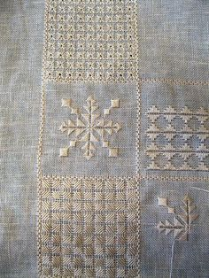 Hardanger Embroidery, White Embroidery, Sewing Blouses, Hand Embroidery Tutorial, Drawn Thread, Blackwork, Cross Stitch Patterns, Fabric, Linen Tablecloth