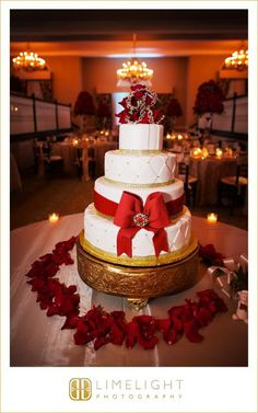 Limelight Photography, www.stepintothelimelight.com, DON CESAR, Wedding Cake, Red and Gold Wedding, Red and Gold Wedding Cake.
