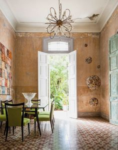 """tmagazine: """"Stefan Ruiz Cuba Libre For one couple, realizing their dream house as a cultural salon in Havana has been more than a labor of love. It's been a lesson in patience, perseverance and wild. Home Living, Living Spaces, Home Renovation, Home Remodeling, Cuban Decor, Estilo Tropical, Interior And Exterior, Interior Design, Deco Design"""
