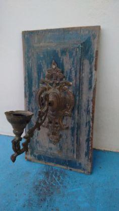 Porta velas. Reciclagem de almofada de uma antiga porta de madeira