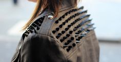 Find images and videos about fashion, style and beauty on We Heart It - the app to get lost in what you love. Badass Style, Style Me, Rock And Roll Fashion, Rock Fashion, Style Fashion, Studded Leather Jacket, Estilo Rock, Wearing All Black, Street Style Blog