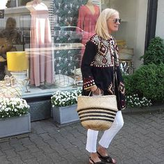 Friday#end of working day#sunny evening#fashion #myshop#ootd #bohème #summerstyle#juliet dunn#mystyle#inspiration#fashionpost#closed#inuovo#blackandwhite#bag#basket#stripes#juvia#capridiem#goodevening