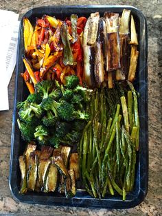 The Ultimate Roasted Veggie Tray — Get Real Nutrition, LLC. Clean Eating Plans, Clean Eating Snacks, Healthy Snacks, Healthy Recipes, Yummy Recipes, Vegetarian Recipes, Dinner Recipes, Vegetable Appetizers, Vegetable Dishes