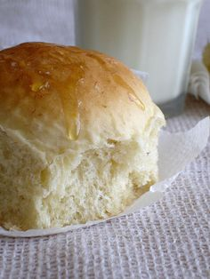 Yeasted banana bread / Pão de banana (com fermento biológico) by Patricia Scarpin, via Flickr