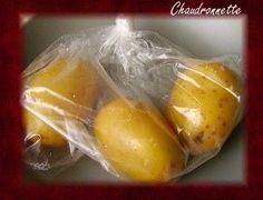 patate 3minutes au MO Choisir des pommes de terre de tailles moyennes. - Les enfermer dans un sac congélation et faire un noeud. - Faire un tout petit trou dans le sac pour que la vapeur s'échappe sans faire exploser le sac.Mettre en puissance maximale et faire cuire pendant 3 minutes au four micro-ondes. - Les pommes de terre sont cuites, faire attention et attendre un peu avant de les éplucher car c'est très chaud.On peut les manger telle qu'elles avec un peu de beurre, en salade ou…