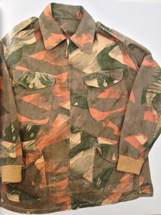 Camouflage print pattern | Green orange khaki | Army coat | vintage jacket